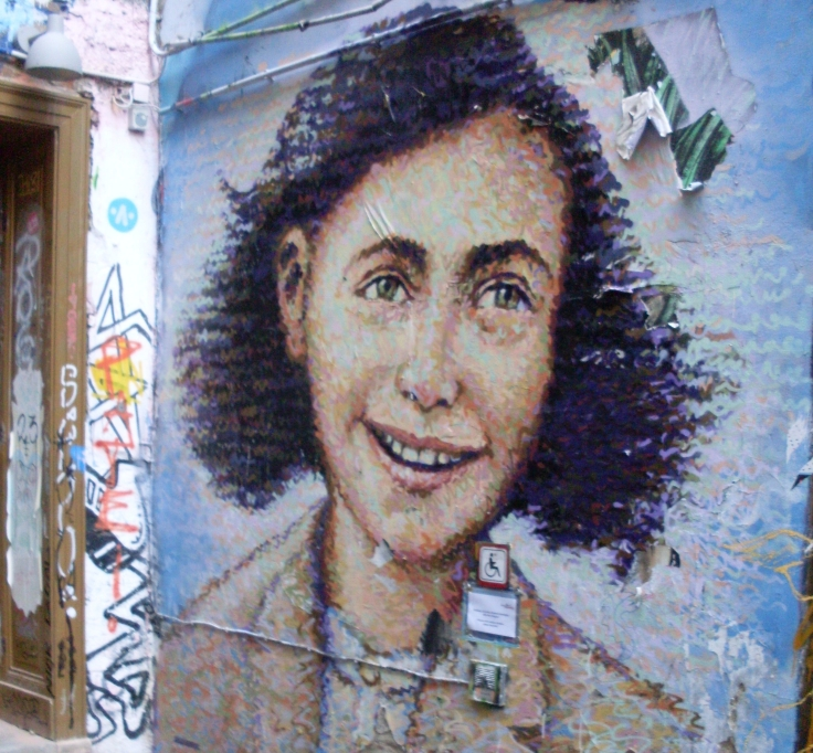 Street Art: Anne Frank, Caf Cinema, Berlin