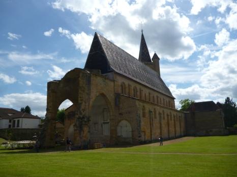 Ansicht der Kirche von Hinten (Foto: schrittWeise)