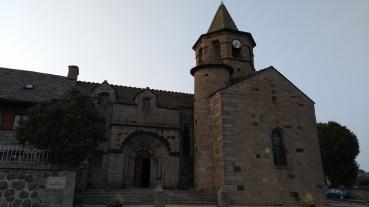 Kirche in Nasbinals (Fotorechte: schrittWeise)