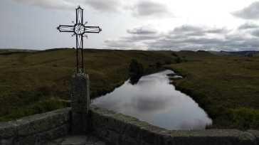 Eines der vielen Kreuze auf der Via Podiensis (Fotorechte: schrittWeise)