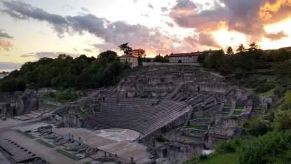 Gallo-römisches Theater von Lyon mit dem Sonnenuntergang (Fotorechte: Dario schrittWeise)