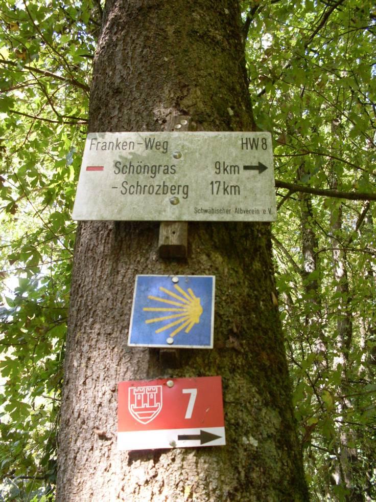 Wegweiser nach Rothenburg o.d. Tauber (Fotorechte: Dario schrittWeise)