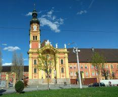 Ein kurzer Zwischenstopp in Innsbruck, Stiftskirche Wilten (Fotorechte: Dario schrittWeise)
