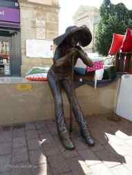 Skulptur der Pilgerin