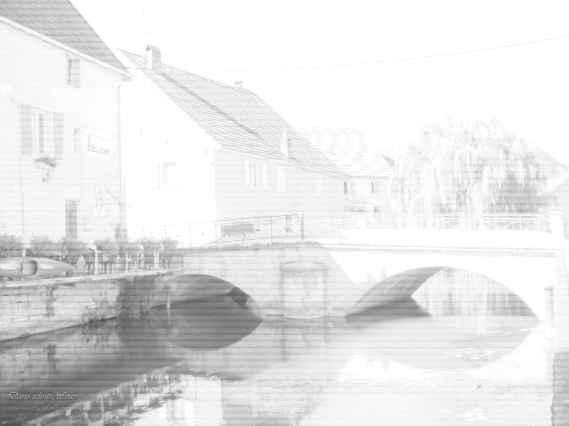 Eine Brücke in Marnay (Foto mit Überbelichtung)